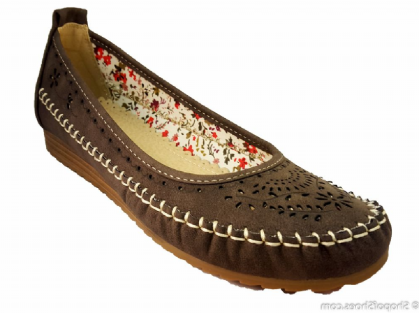 comfortable brown ladies summer shoe